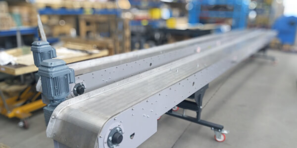 Magnetic conveyors for inter-operational transport