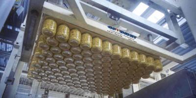 Paletizační magnet na portálovém jeřábu