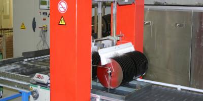 Demagnetisation of saw blades