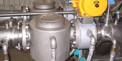 Vyhřívaný dvoupláš´tový magnetický filtr na čokoládu - provoz